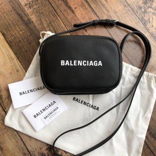 バレンシアガ EVERYDAY CAMERA BAG XS ブラック