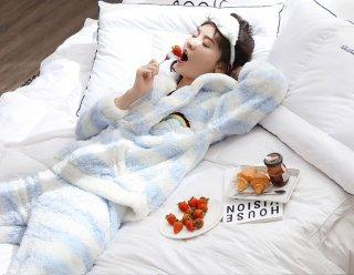 ロリータ ナイトウェア ボーダー柄虹のモコモコパジャマ 上下セット パジャマのみ 部屋着 かわいい