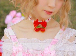 真っ赤ないちごリボン チョーカー チョーカーのみ販売 甘ロリ 姫ロリ アクセサリー リボン かわいい お茶会 森 ピクニック loli1205