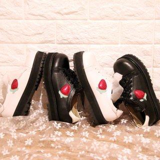 ロリータ シューズ 厚底スニーカー いちごモチーフ レース レース靴紐 3cm高 おでこ靴 歩きやすい 甘ロリ loli1318