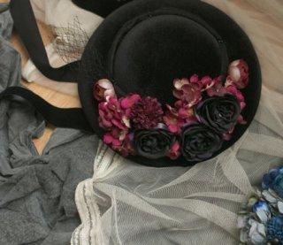 ロリータ Sweet Dreamer レッド ローズ 帽子 ヘッドドレス ブラック フラワー 薔薇 お花 バラ モチーフ おしゃれ フリーサイズ 通年 ファッション雑貨 カンカン帽
