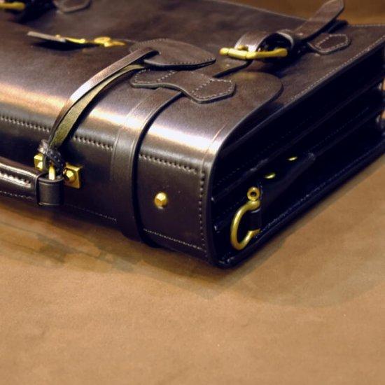 イングリッシュブライドルレザーバッグ ショルダーベルト付き ブラック【画像10】
