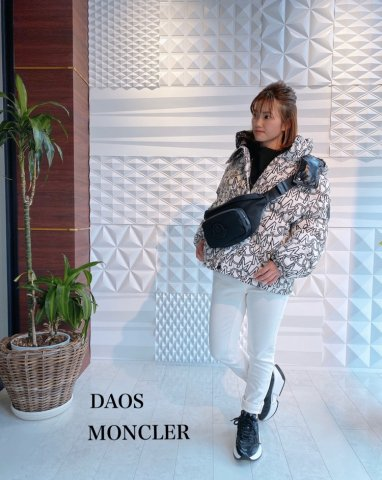 <img class='new_mark_img1' src='https://img.shop-pro.jp/img/new/icons13.gif' style='border:none;display:inline;margin:0px;padding:0px;width:auto;' />【MONCLER】DAOS(ダオス)JACKET(WOMEN)【WHITE】