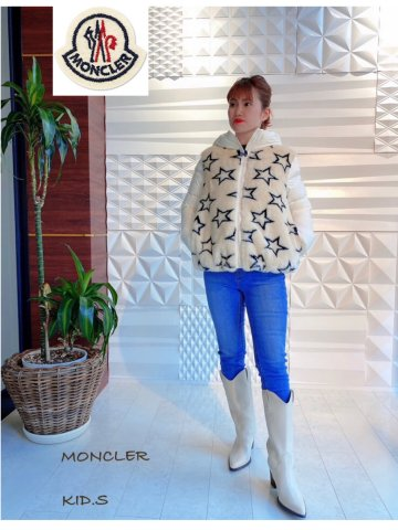 <img class='new_mark_img1' src='https://img.shop-pro.jp/img/new/icons13.gif' style='border:none;display:inline;margin:0px;padding:0px;width:auto;' />【MONCLER KIDS】LADY  星モチーフファー切替ダウンジャケット