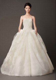 <img class='new_mark_img1' src='https://img.shop-pro.jp/img/new/icons14.gif' style='border:none;display:inline;margin:0px;padding:0px;width:auto;' />【Used 73%OFF】 Vera Wang Lisbeth (ヴェラウォン リスベス) US2