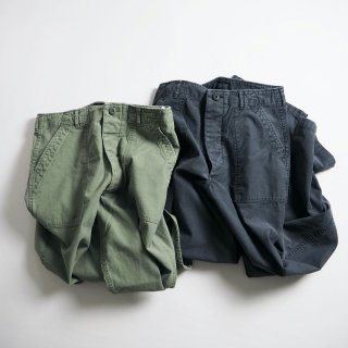 DAILY WARDROBE INDUSTRY デイリーワードローブインダストリー ベイカーパンツ BAKER PANTS/OLIVE<img class='new_mark_img2' src='https://img.shop-pro.jp/img/new/icons13.gif' style='border:none;display:inline;margin:0px;padding:0px;width:auto;' />