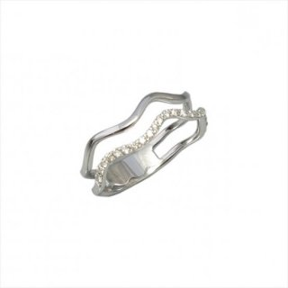 K18<br>ホワイトゴールドダイヤモンドリング