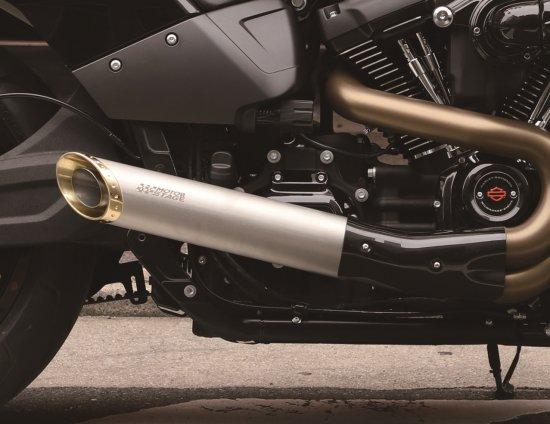 FXDR 114 2019~ 専用 スリップオンマフラー ボバースラッシュ/ステンレスヘアライン