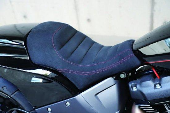 ハーレー FXDR114 パーツ|ウルトラスウェードシングルシート