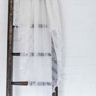 G. H. HURT&SON - Nottingham Lace Shawl