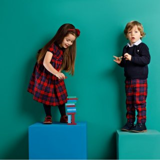 <img class='new_mark_img1' src='https://img.shop-pro.jp/img/new/icons14.gif' style='border:none;display:inline;margin:0px;padding:0px;width:auto;' />Malvi & Co. - Tartan smocked dress (Navy/Red)