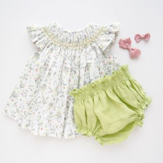 <img class='new_mark_img1' src='https://img.shop-pro.jp/img/new/icons59.gif' style='border:none;display:inline;margin:0px;padding:0px;width:auto;' />dBb idea - Floral smocked baby set (Light green)