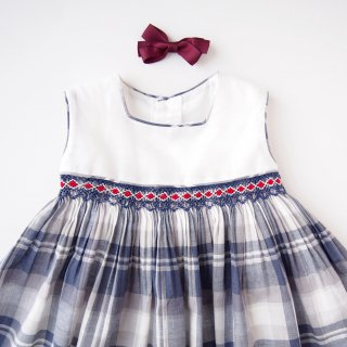 <img class='new_mark_img1' src='https://img.shop-pro.jp/img/new/icons14.gif' style='border:none;display:inline;margin:0px;padding:0px;width:auto;' />dBb idea - Blue tartan smocked dress