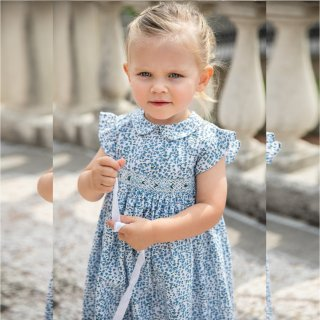 <img class='new_mark_img1' src='https://img.shop-pro.jp/img/new/icons14.gif' style='border:none;display:inline;margin:0px;padding:0px;width:auto;' />Malvi & Co. - Smocked dress (Blue woods)