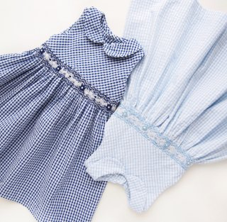 <img class='new_mark_img1' src='https://img.shop-pro.jp/img/new/icons14.gif' style='border:none;display:inline;margin:0px;padding:0px;width:auto;' />Malvi & Co. - Gingham smocked dress (Navy)