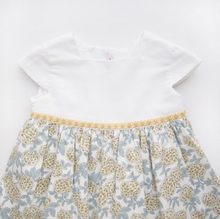 <img class='new_mark_img1' src='https://img.shop-pro.jp/img/new/icons14.gif' style='border:none;display:inline;margin:0px;padding:0px;width:auto;' />Amaia Kids - Clementine dress(Hydrangea)