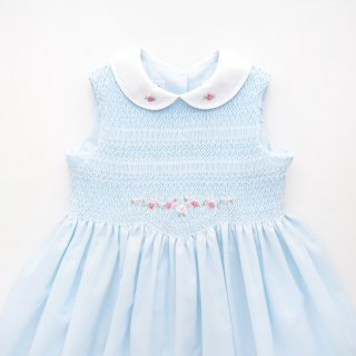 <img class='new_mark_img1' src='https://img.shop-pro.jp/img/new/icons14.gif' style='border:none;display:inline;margin:0px;padding:0px;width:auto;' />Sarah Louise - Smocked sleeveless dress(Pale Blue)
