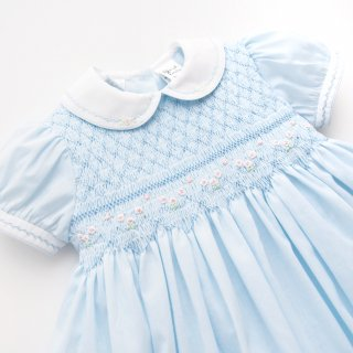 <img class='new_mark_img1' src='https://img.shop-pro.jp/img/new/icons14.gif' style='border:none;display:inline;margin:0px;padding:0px;width:auto;' />Sarah Louise - Flower smocked dress(Pale Blue)