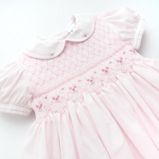<img class='new_mark_img1' src='https://img.shop-pro.jp/img/new/icons14.gif' style='border:none;display:inline;margin:0px;padding:0px;width:auto;' />Sarah Louise - Flower smocked dress(Pink)
