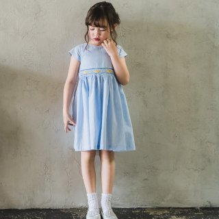<img class='new_mark_img1' src='https://img.shop-pro.jp/img/new/icons14.gif' style='border:none;display:inline;margin:0px;padding:0px;width:auto;' />Malvi&Co. - Limone smocked dress - french sleeve (Light blue)