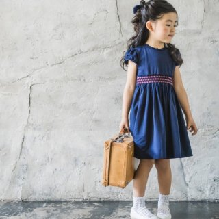 <img class='new_mark_img1' src='https://img.shop-pro.jp/img/new/icons14.gif' style='border:none;display:inline;margin:0px;padding:0px;width:auto;' />Malvi&Co. - Jersey smocked dress(Navy)