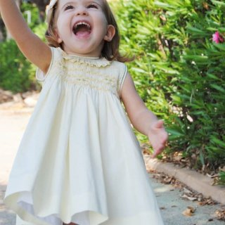 <img class='new_mark_img1' src='https://img.shop-pro.jp/img/new/icons14.gif' style='border:none;display:inline;margin:0px;padding:0px;width:auto;' />Aruca - Amarillo smocked dress