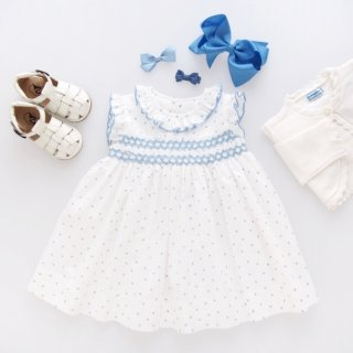 <img class='new_mark_img1' src='https://img.shop-pro.jp/img/new/icons14.gif' style='border:none;display:inline;margin:0px;padding:0px;width:auto;' />Amaia Kids - Carnac dress (Blue dots)