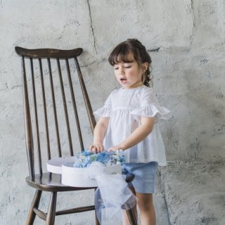 <img class='new_mark_img1' src='https://img.shop-pro.jp/img/new/icons14.gif' style='border:none;display:inline;margin:0px;padding:0px;width:auto;' />Laivicar / baby lai - Embroidered lace blouse and shorts set