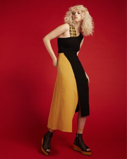ASYMMETRIC DRESS<br>YELLOW<img class='new_mark_img2' src='https://img.shop-pro.jp/img/new/icons20.gif' style='border:none;display:inline;margin:0px;padding:0px;width:auto;' />