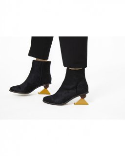 TRIANGLE HEEL BOOTS<br>BLACK×YELLOW