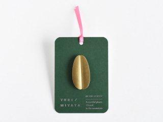 〈YURI MIYATA〉【Brooch】Leaf / Round brass