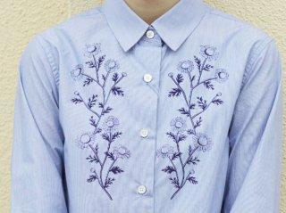 <L&HARMONY WOMEN/エルアンドハーモニーウーマン>Asami Hattori フラワープリントシャツ(Navy)