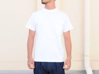 〈L&HARMONY MEN/エルアンドハーモニーメン〉ハイクルーネックポケットTシャツ(White)