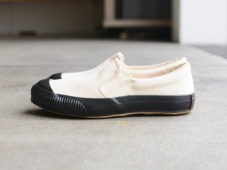 〈PRAS/プラス〉SHELLCAP MOULD SLIPON(Black)