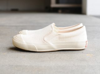 〈PRAS/プラス〉SHELLCAP MOULD SLIPON(O.White)