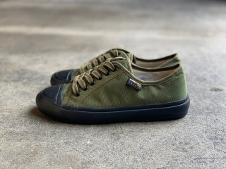 〈REPRODUCTION OF FOUND/リプロダクションオブファウンド〉US NAVY MILITARY TRAINER(Olive)