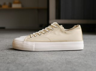 <REPRODUCTION OF FOUND/リプロダクションオブファウンド>US MILITARY TRAINER(Beige)