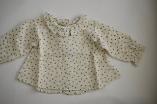 <img class='new_mark_img1' src='https://img.shop-pro.jp/img/new/icons24.gif' style='border:none;display:inline;margin:0px;padding:0px;width:auto;' />tocoto vintage/FLOWERS BABY BLOUSE/FLOWERS