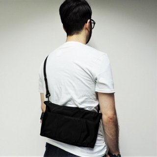 MELO / SMALL OVAL SHAPED BAG(BLACK)