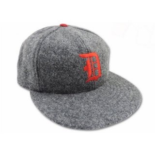 RED DOGS /  MELTON BASEBALL CAP (CHARCOAL)