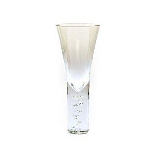 神秘的に立ち昇る泡 シャンパン カクテルグラス