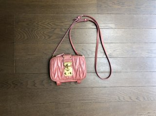 <img class='new_mark_img1' src='//img.shop-pro.jp/img/new/icons20.gif' style='border:none;display:inline;margin:0px;padding:0px;width:auto;' />【SALE】MIUMIU WALLET BAG