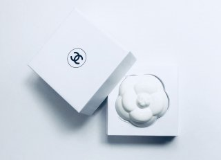 【CHANEL】Camellia Paper Weight