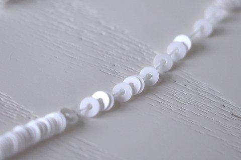 糸通しスパンコール/ホワイト 3mm〔フランス製〕