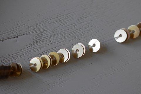 糸通しスパンコール/メタリックライトゴールド  4mm〔フランス製〕