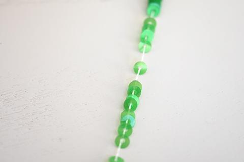 糸通しスパンコール/シェルグラスグリーン3mm〔フランス製〕