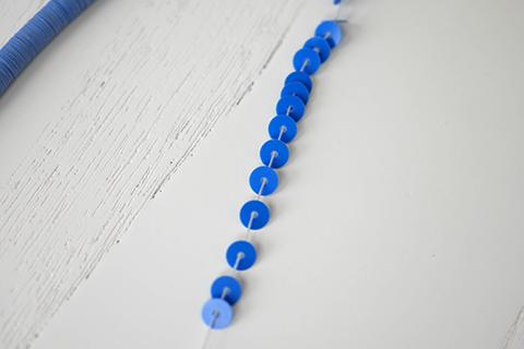 糸通しスパンコール/ロイヤルブルー 4mm〔フランス製〕