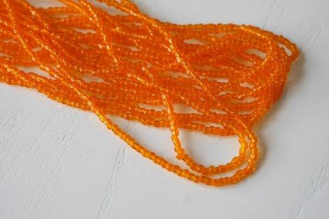 糸通しビーズ  9/0 3cut  ライトオレンジ〔チェコ製〕