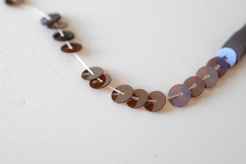 糸通しスパンコール/クリスタルチョコレートブラウン 4mm〔フランス製〕