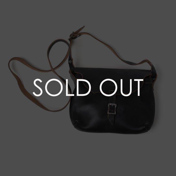 Fernand (フェルナンド)  Strap_pouch サイズM BLACK